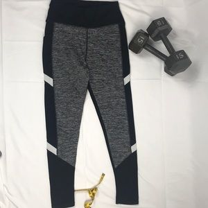 Leggings with 2 pockets and sheer sides